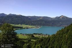 pillantás a Wolfgang-tóra a Schafbergre tartó vonatból