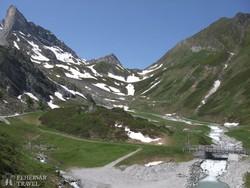 tavaszi táj a Zillertali-Alpokban