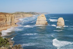 a Nagy Óceáni Út mentén lévő 60 méter magas sziklák