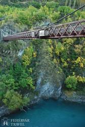 a Kawarau folyó szurdoka felett átívelő híd, ahol a bungee jumping halálugrást 'feltalálták'