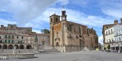 Trujillo katedrálisa a főtéren