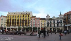 Burgos színes házai az óvárosban