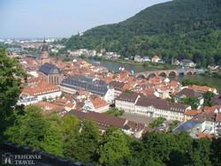kilátás a városra a heidelbergi várból
