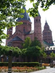 Mainz román kori császárdómja