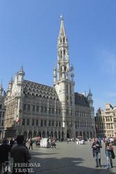 Brüsszel főtere a városházával