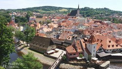 a Vltava folyó kanyarulatában fekvő Český Krumlov
