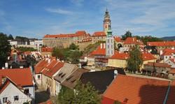 panoráma Český Krumlov óvárosára és a várra
