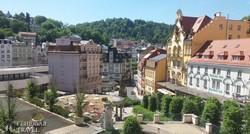 látkép a gyönyörű Karlovy Varyra