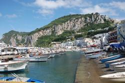 Capri hangulatos kikötője