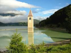 a Reschen-tó a templomtoronnyal