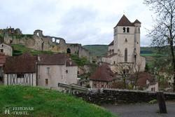 St-Cirq-Lapopie középkori várfala és temploma