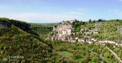 pazar panoráma a meghökkentő fekvésű Rocamadour városára