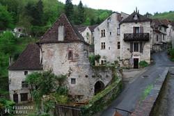 az elragadó középkori St-Cirq-Lapopie