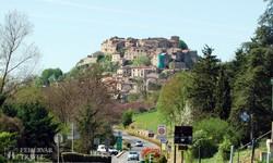 Cordes-sur-Ciel erődített középkori városa