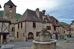 a középkorból itt felejtett Autoire falucska