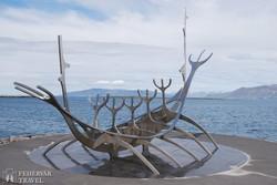 Reykjavík: egy viking hajó váza a tengerparti sétányon