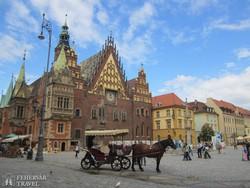 a wroclawi városháza gótikus épülete