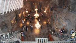 a hatalmas Kinga-kápolna a Wieliczkai sóbányában
