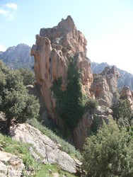 a Calanche egy vöröslő sziklatömbje