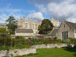 Oxford: háttérben a Christ Church College kápolnája