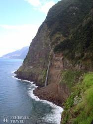 az 580 méterrel a tengerszint fölé emelkedő Cabo Girão