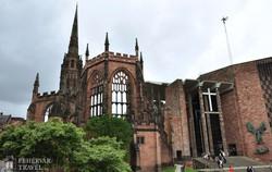 Coventry régi és új katedrálisa
