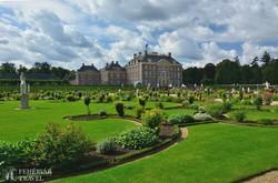 a Het Loo kastély és gyönyörű parkja