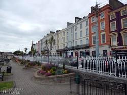 színes házak Cobh-ban
