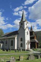 Torpo új és régi temploma
