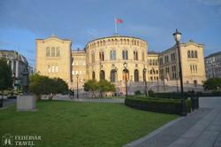 a parlament épülete Oslóban