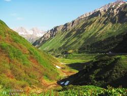 gyönyörű táj az Arlberg-hágónál