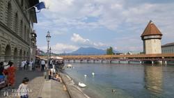 Luzern jelképe, a Kapellbrücke