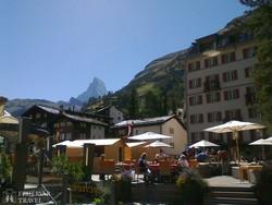 Zermatt elegáns üdülővárosa a Matterhorn lábainál