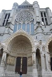 Chartres – oldalkapu a székesegyházban