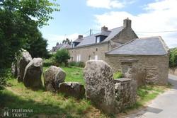 Carnac – itt még a kerítés is megalitokból épült