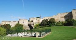 Caen – monumentális erődfalak