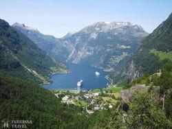 lenyűgöző panoráma a Geiranger-fjordra