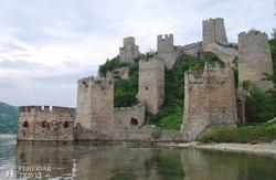 Galambóc vára a Duna partján