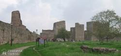 Szendrő középkori várának hatalmas falai