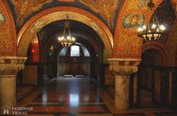 Topola: a Szent György-templomban lévő Karađorđević mauzóleum