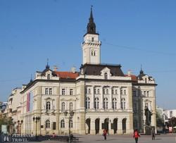Újvidék városházája a Szabadság téren