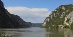 hajókirándulás a Dunán, a Vaskapu szurdokvölgyében