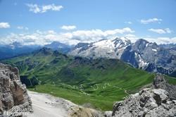 pillantás a Nagy Dolomitok Országút egy részletére