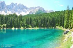 a Karer-tó szikrázó napsütésben