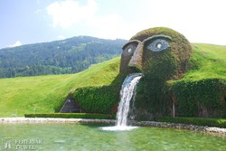 a Swarovski kristályvilág parkja Wattensben