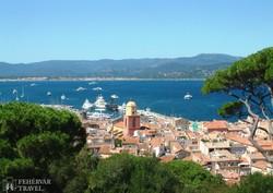 Saint-Tropez kikötője a citadellából