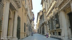 Genova: a Via Garibaldi