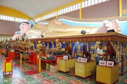 Georgetown: thai templom a világ egyik legnagyobb fekvő Buddha-szobrával