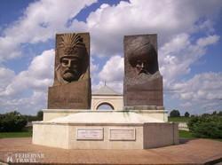 Zrínyi Miklós és Szulejmán szultán szobra a Magyar-Török Barátság Parkjában