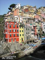 Riomaggiore színes házai